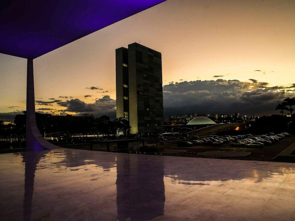 Image du bâtiment du Congrès à Brasilia. Contenu législatif