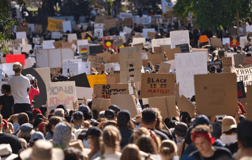 Manifestations antiracistes dans le Queensland, en Australie, le 6 juin. (Photo: AndrewMercer via Wekimedia Commons)