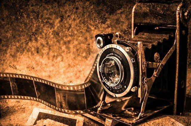 Appareil photographique. Image illustrative (PublicDomainPictures / Pixabay)