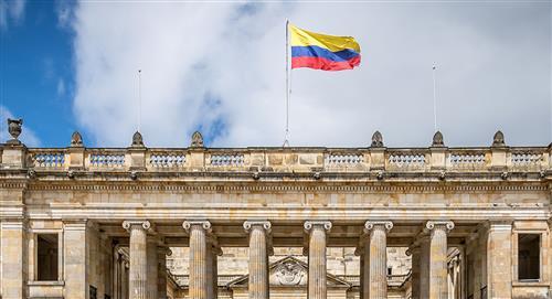 Uribismo propose de réduire le Congrès de la République à 50%