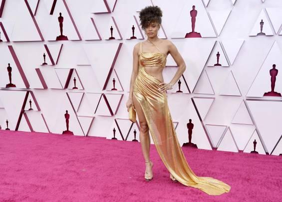 Tapis rouge aux Oscars 2021 11