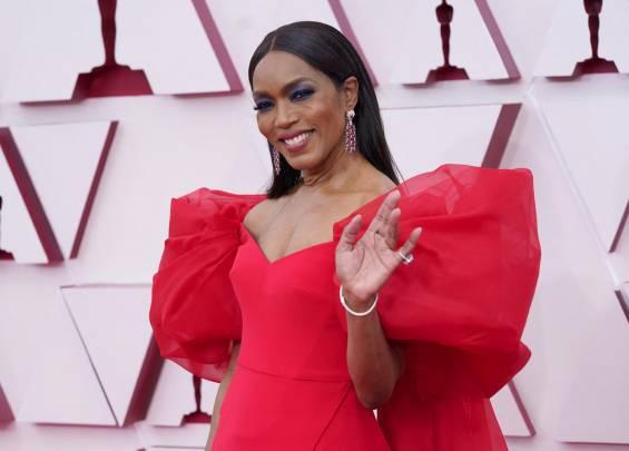 Tapis rouge des Oscars 2021 14