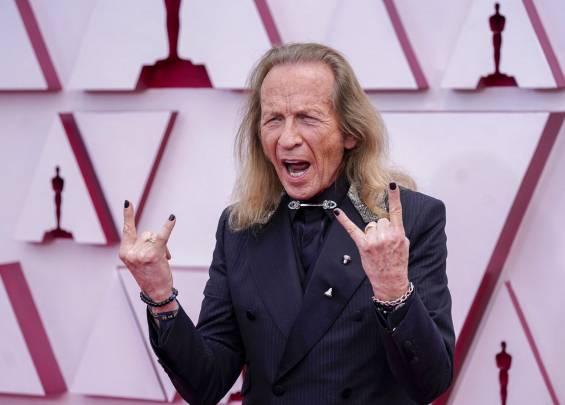 Tapis rouge aux Oscars 2021 19