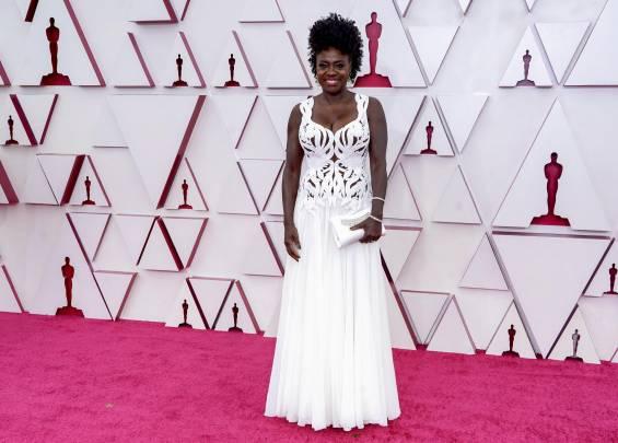 Tapis rouge aux Oscars 2021 21