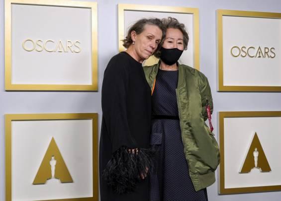 Tapis rouge des Oscars 2021 4