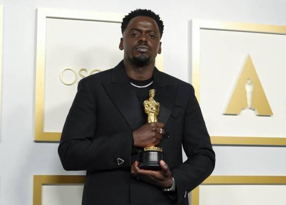 Tapis rouge des Oscars 2021 7