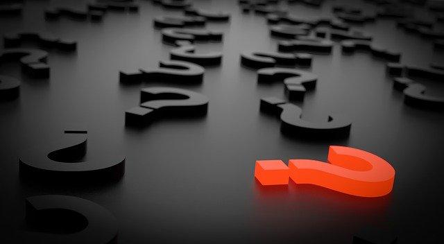 Points d'interrogation sur une surface solide.  Image illustrative, Photo: Pixabay.