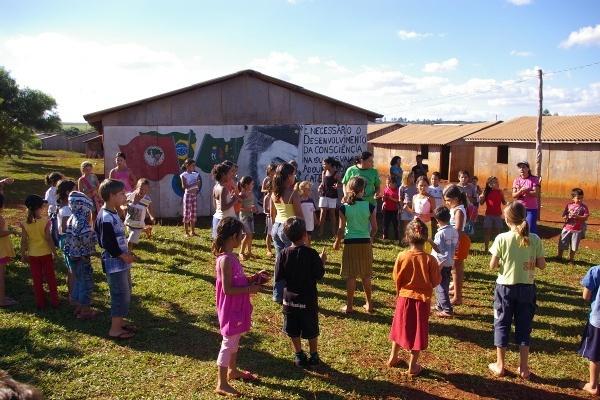 Communiqué de presse de Stedile a Bolsonaro / Mouvement des travailleurs sans terre